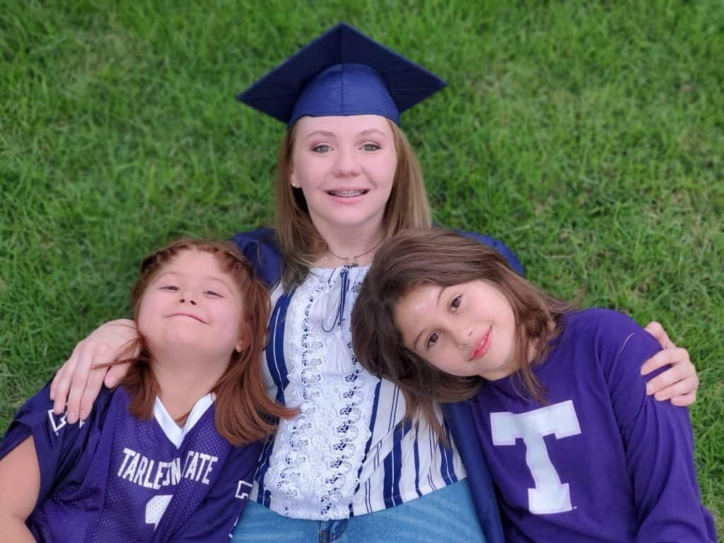 Bryanna and 2 girls outside for Senior pictures