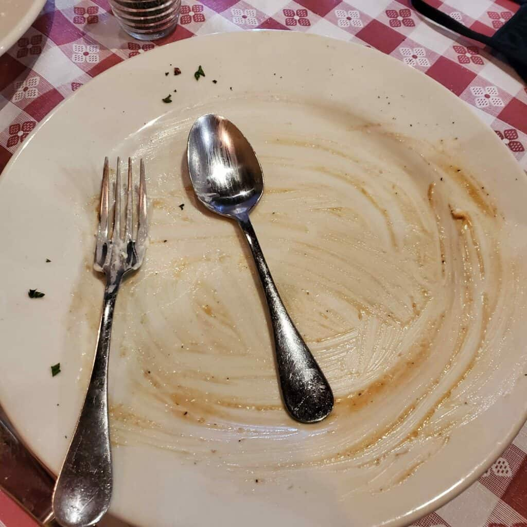 empty plate at Casa Pasta in Helotes